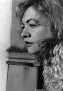 portrait noir et blanc de LoRaine de Paris